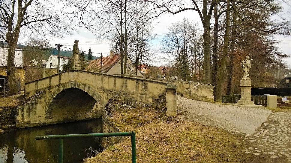 Kamenný most v Dobřívi.jpg