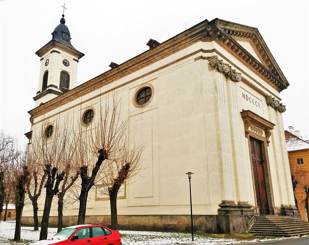 Kostel Vzkříšení Páně v Terezíně byl posádkový a pevnostní kostel