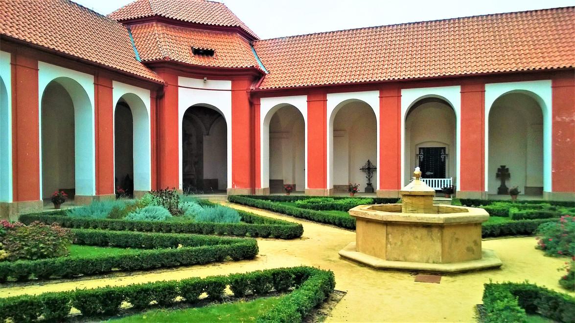 Galerie: Mariánská Týnice - perla mezi Santiniho stavbami