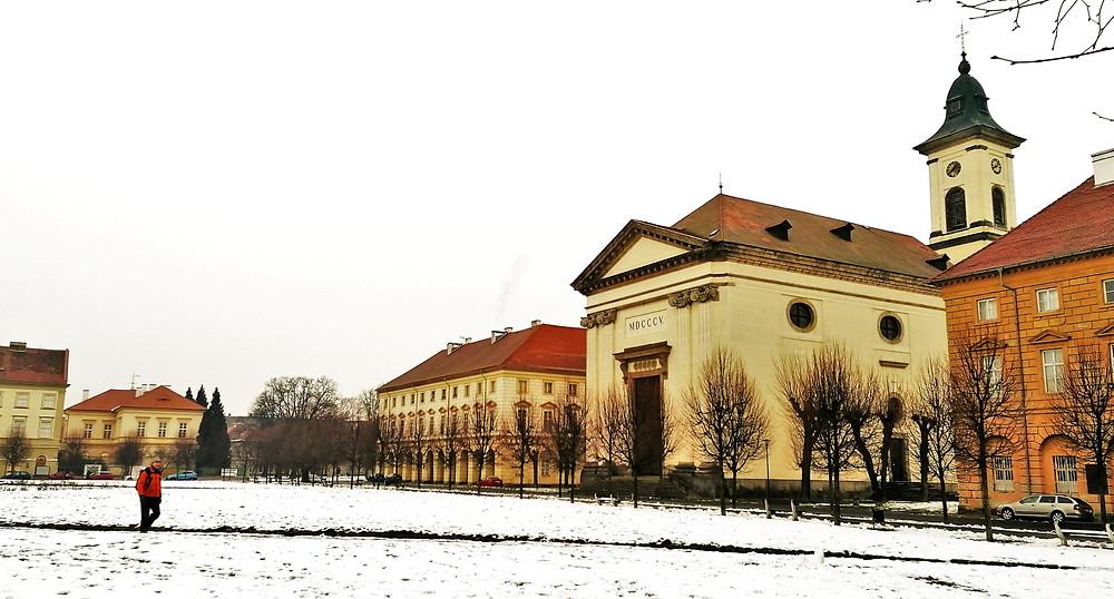 Kostel Vzkříšení Páně na náměstí ČSA v Terezíně