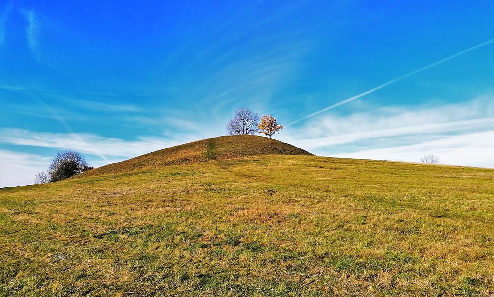 Tobiášův vrch patří k nejkrásnějším kopcům Českého středohoří