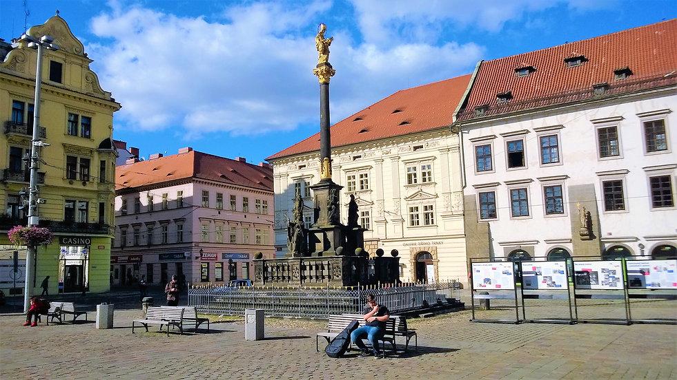 Morový sloup s barokní kopií slavné Plze