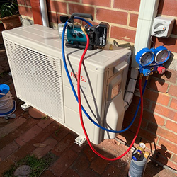 Split AC Installation Evacuate