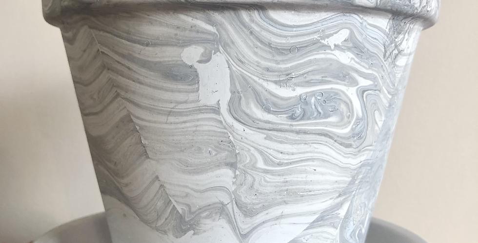 Marbled Flower Pot w Bottom