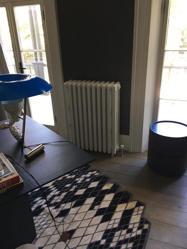 traditional-cast-iron-heating-radiator.j