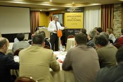 Julio Pitlik en una sesión sobre la crisis global