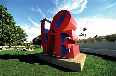 LOVE_by_Robert_Indiana_photo_by_Edwin_Be