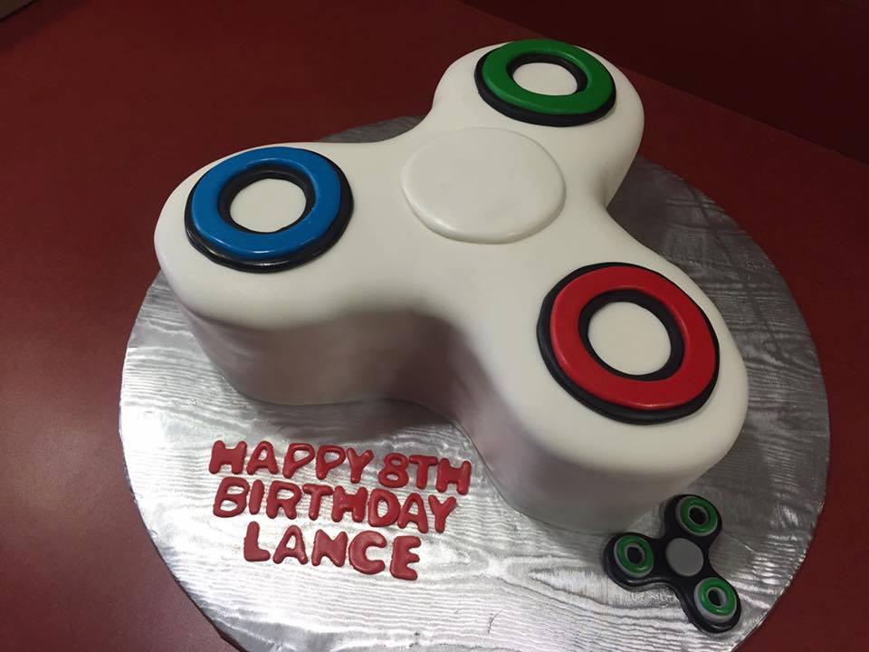 Fondant Fidget Spinner Cake