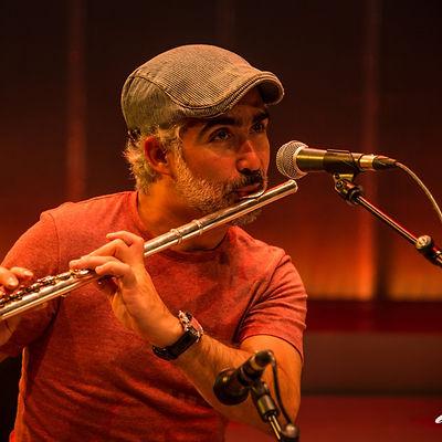 Chico Bastos (flauta).jpeg