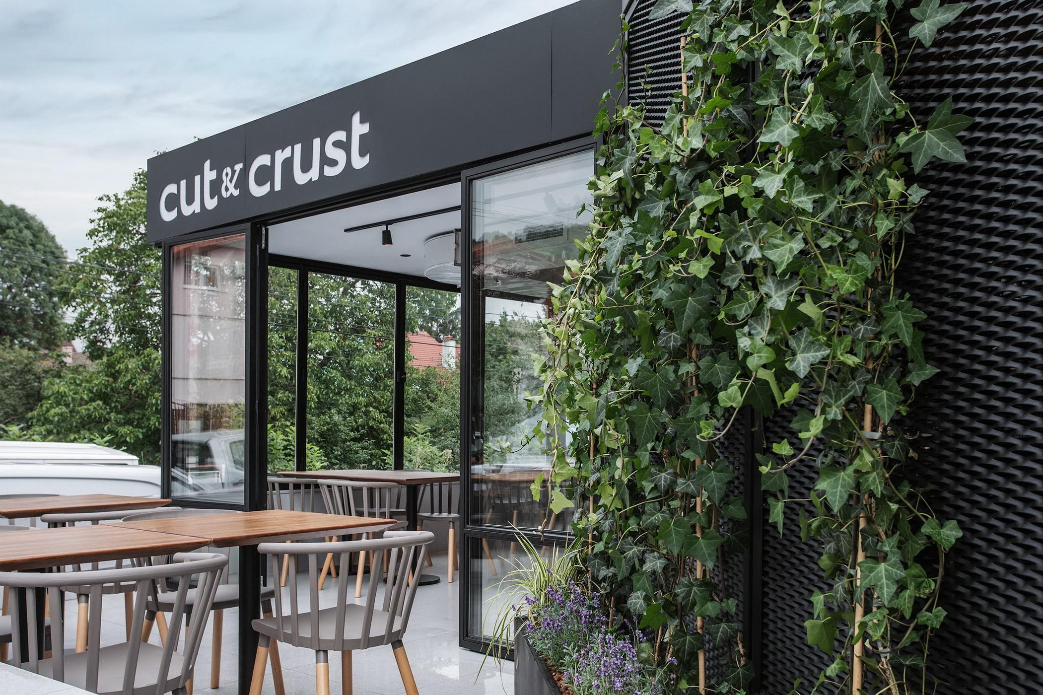 Cut & Crust 08_resize