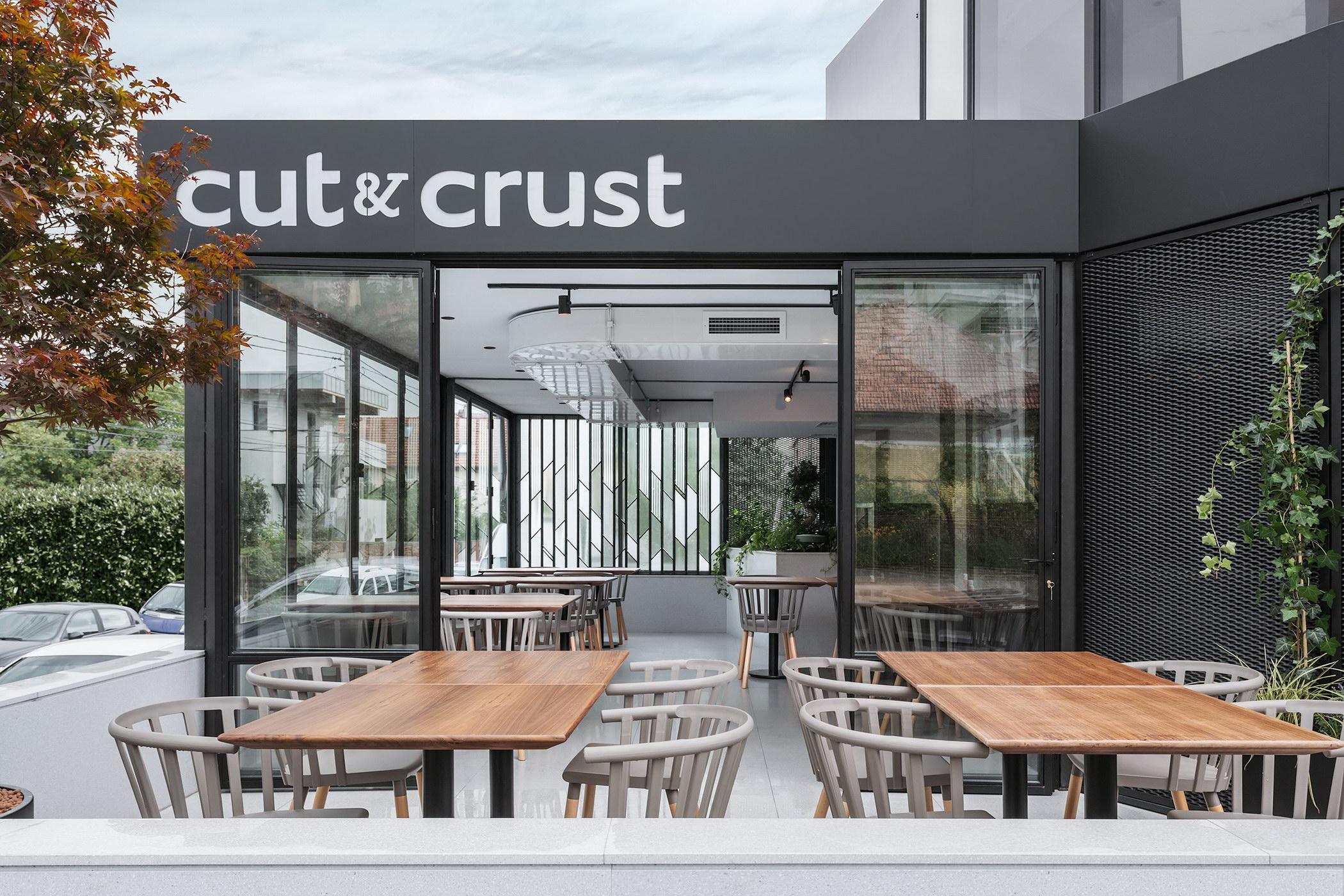 Cut & Crust 07_resize