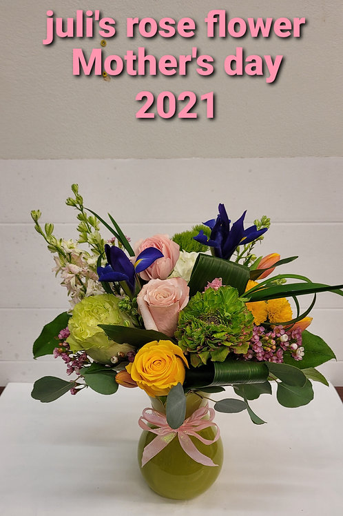 AO 19 (Assorted colours of flower in a clear vase)