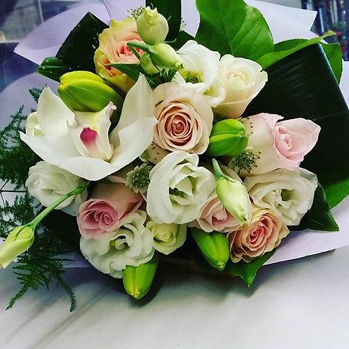 BQ 7 (Pastel colour flower bouquet)