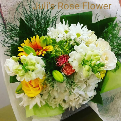 BQ 4 (Yellow, white and green flower bouquet)