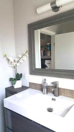 Oakmont - Guest Bathroom - Detail