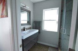 Oakmont - Guest Bathroom Renovation