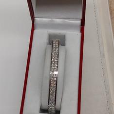 Diamond bracelet at Crown Pawn Shop