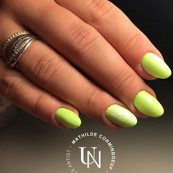 Eh oui encore du vert ! ⛱🌴 #instanails