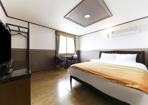 雙人大床房