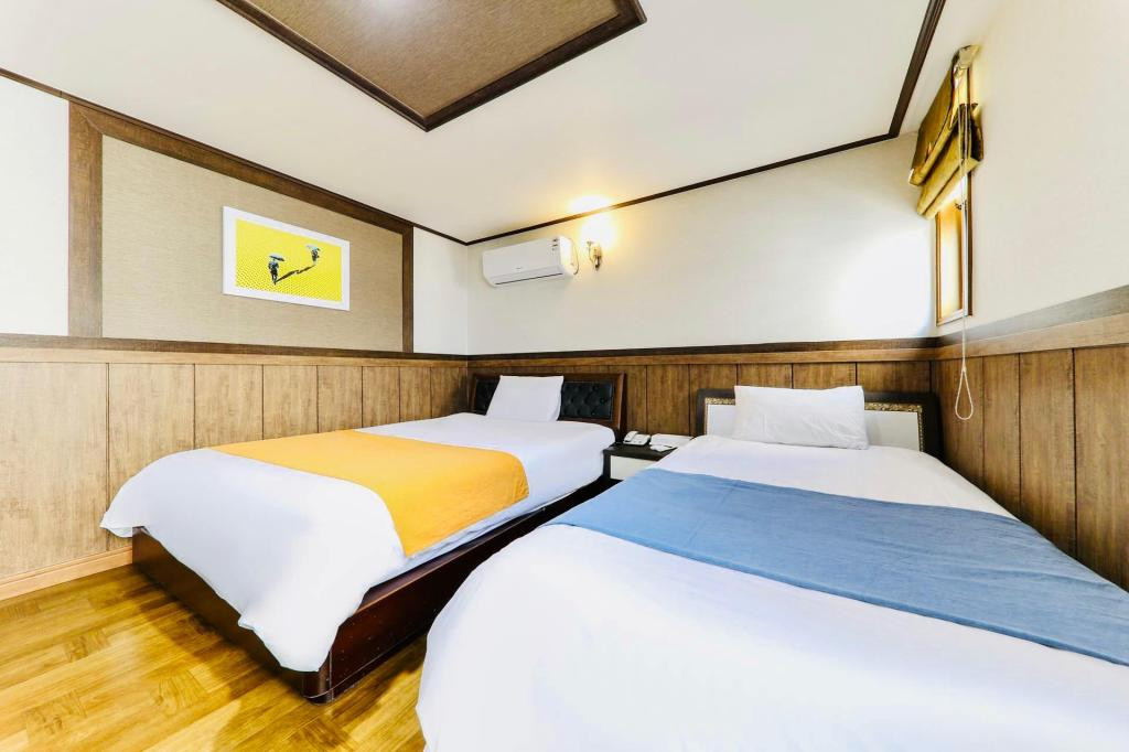 雙人雙床房