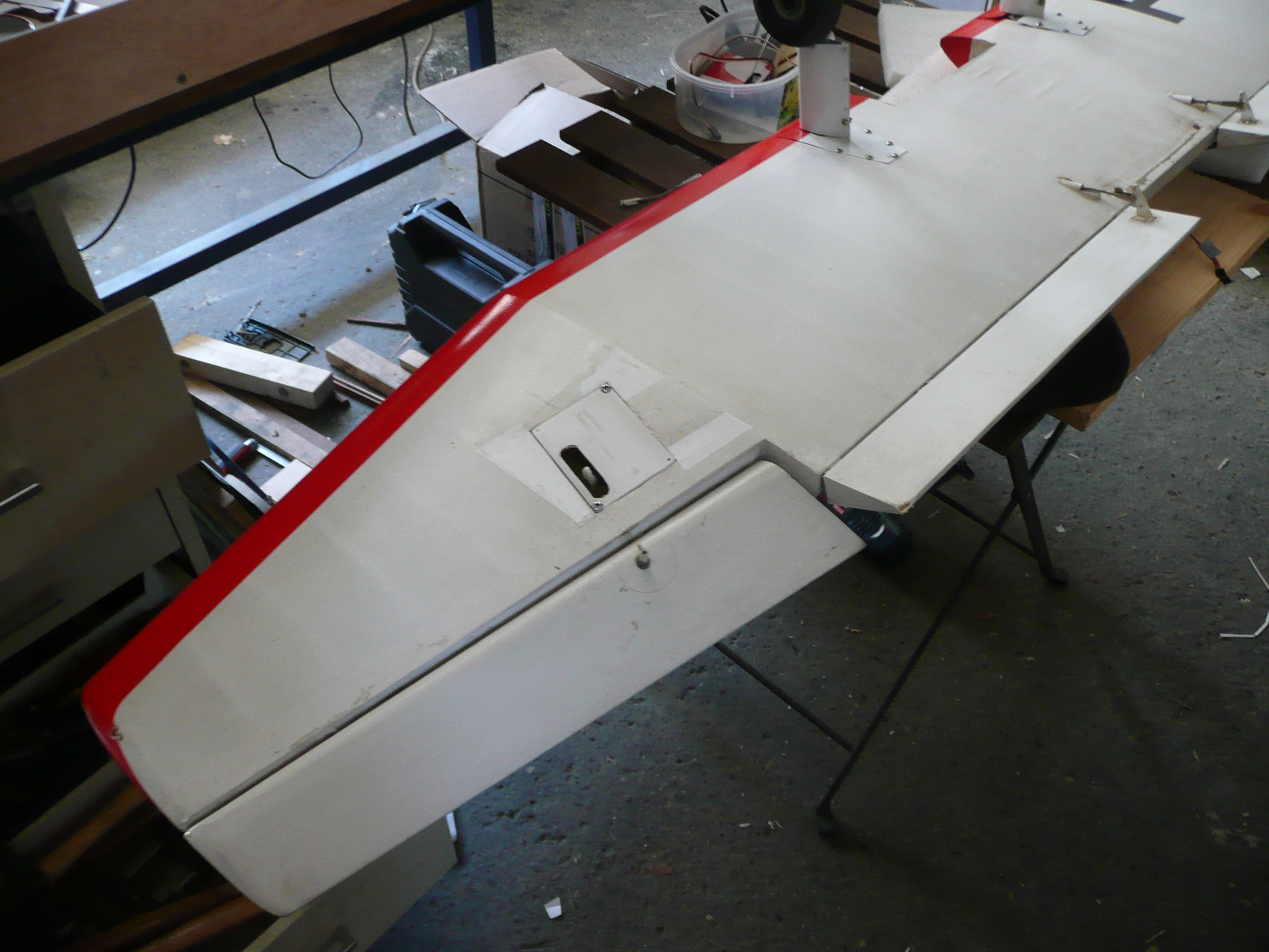 Remplacement du servo unique par 1 servo par aileron