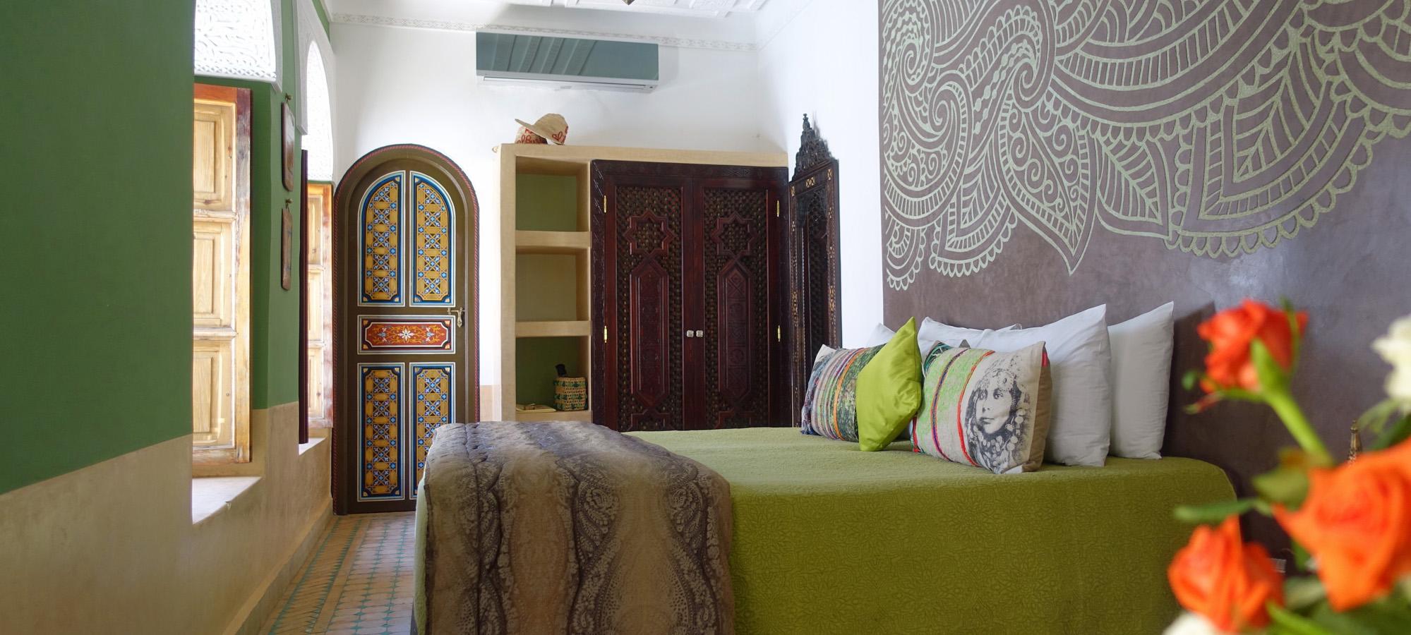 1. Akhdar Bed