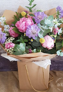bedfordshire based florist delivering lca