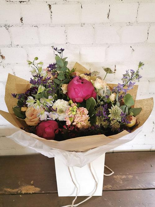 4 Week Flower Delivery - Seasonal Gift Bouquet