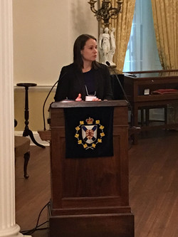 Justine Dol, Government House