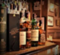 scotch, black label, glenfiddich, oban 14, grant's family reserve, glenlivet 12yr, chivas regal, laphroaig 12yr
