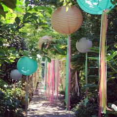 ribbon_styling_lanterns