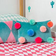 little_top_pompom_velvet_cushion