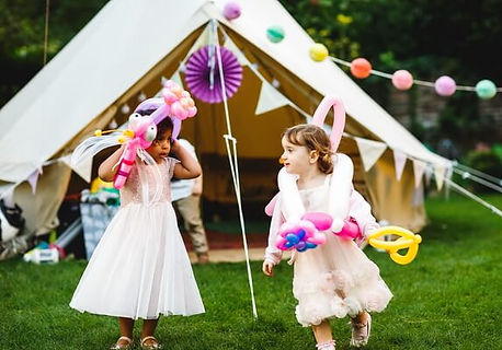 kids-playing-wedding-entertainers-sm.jpg