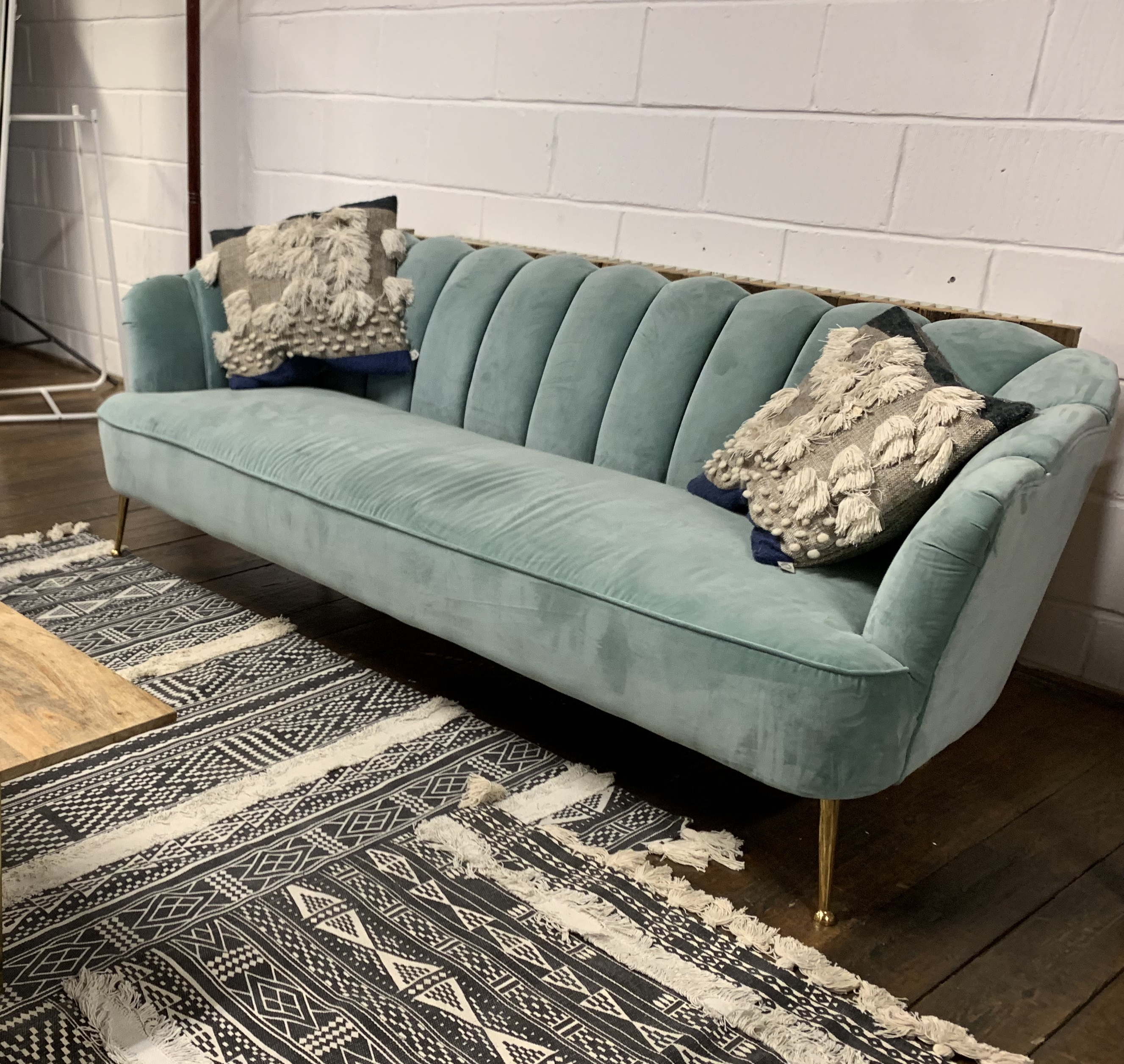 little_top_aqua_velvet_sofa