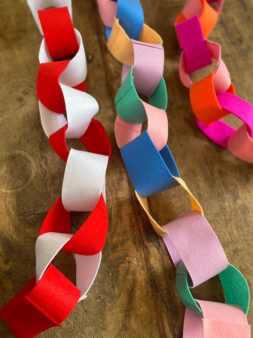 Nordic felt red and white 'paper'chain