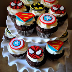 the little top superhero cupcakes
