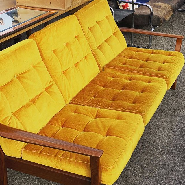 little_top_mustard_vintage_sofa