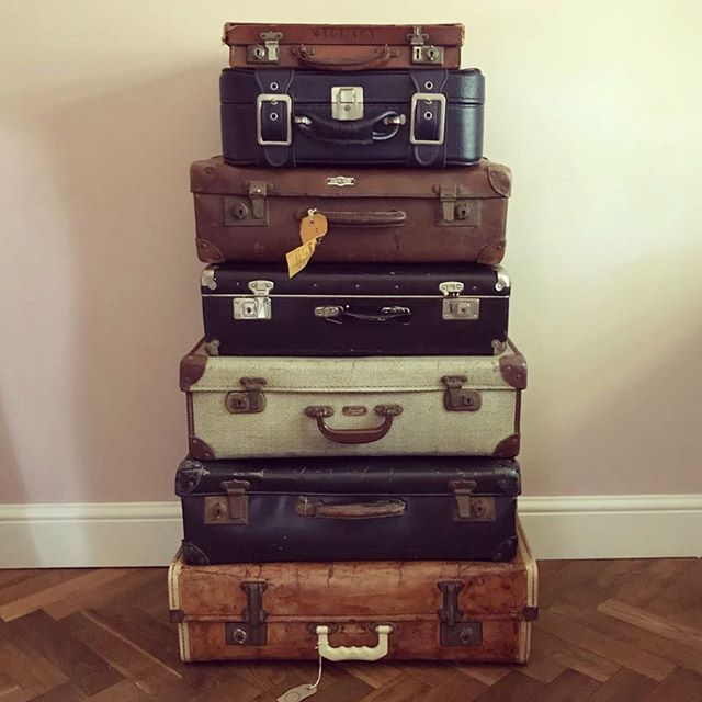 little_top_vintage_suitcases
