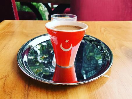 Чай, кофе...10 турецких звезд за чашечкой любимого напитка