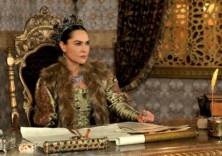 Империя Кесем: 30 платьев Сафие-султан