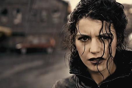 Стиль героини: 11 кинообразов Берен Саат