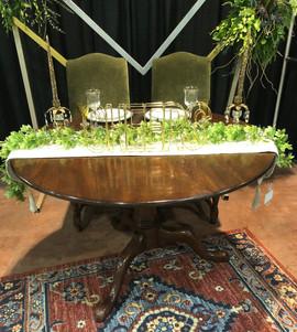 Sweetheart Table - Brown