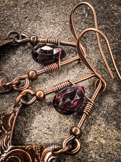 Garnet Wire Chevrons