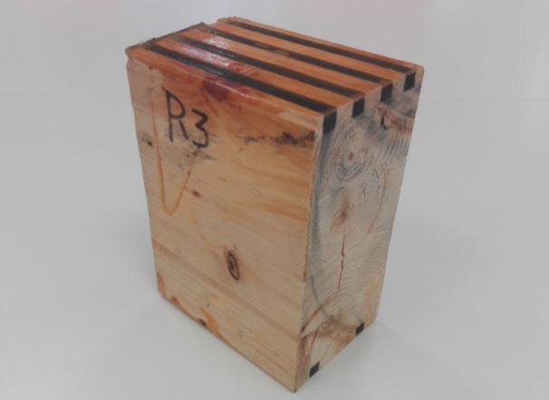CFRW ( Carbon Fiber Reinforced Wood) establiment experimental de les propietats mecàniques de fusta d'abet laminat reforçat a l'1%