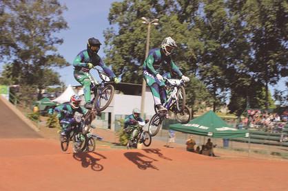 Copinha Paulínia Racing Bicicross reúne 100 alunos