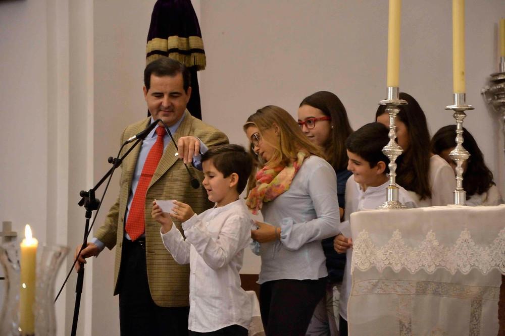 Te Rogamos óyenos Oración De Los Fieles Catequesis Para Toda La Familia