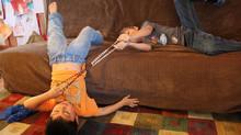 5 ideas para rezar en familia con los niños sin que se distraigan demasiado: prácticas y realistas