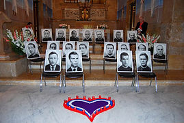 Cuadros de los martires con el P Blanque