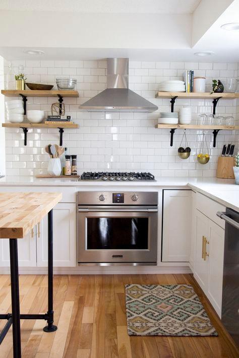 cozinha retro com sóculo
