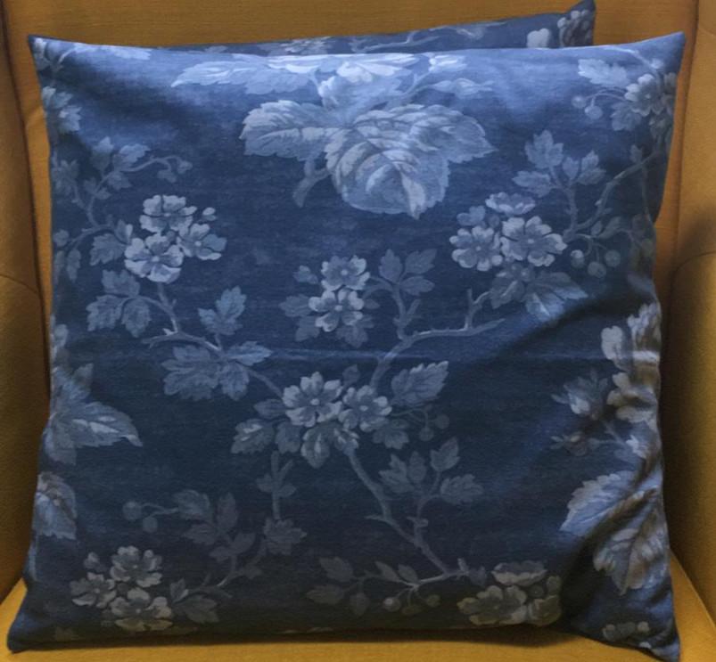 Cushion%205_edited.jpg